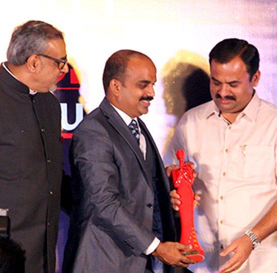 Webcrs travel Award